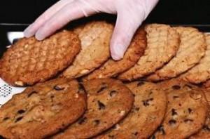 Белое шоколадно-ореховое печенье макадамии