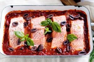 Запеченный лосось в соусе «Провансаль»