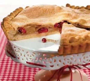 Пирог с грушей и клюквой