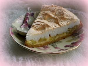 Ягодный пирог из ревеня