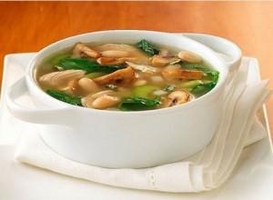 Горячий грибной суп