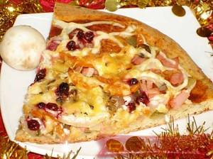 Пицца с перцем и яйцами