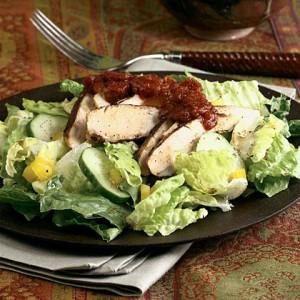 Салат из курицы с томатной пастой