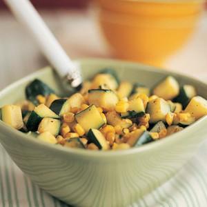 Цуккини с кукурузой и кинзой