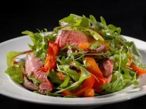 Ростбиф с салатом