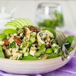 Салат из зелёного яблока