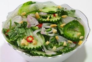 Острый тайский салат с огурцами и а