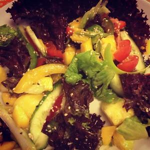 Тайский салат с манго