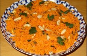 Салат из моркови и арахиса