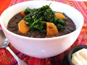 Суп с черными бобами