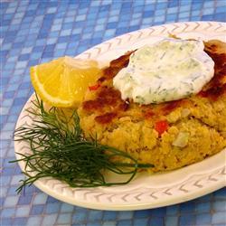 Пирожки из лосося с соусом из укропа