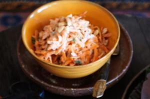 Салат из моркови и йогурта