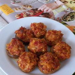 Фаршированные грибы с папперони