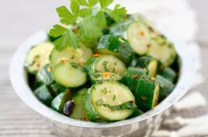 Салат из цуккини и зелени